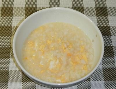 鶏ガラ風味の卵おじや(雑炊)