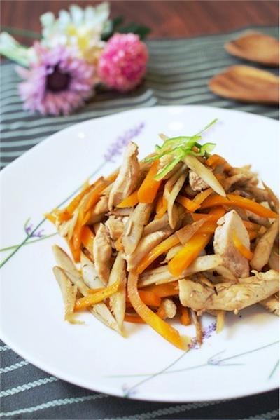 #しっとりやわらか。鶏むね肉のきんぴら風炒めのレシピ