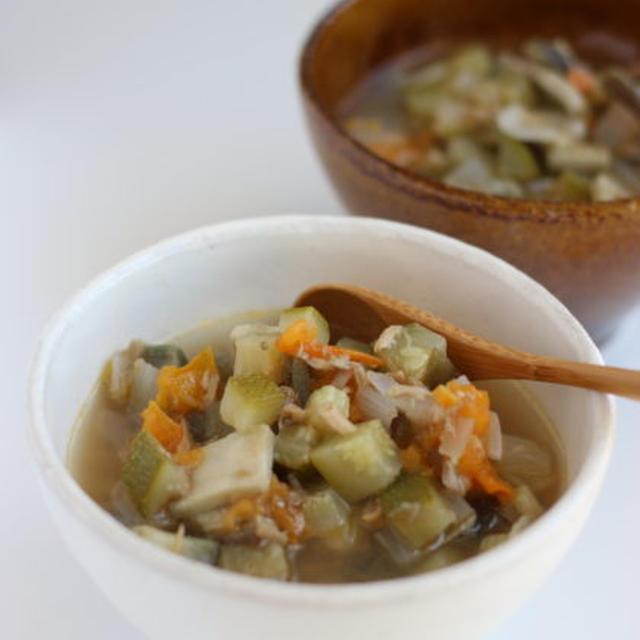 夏野菜の具だくさんスープ