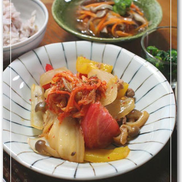 豚肉とトマトのキムチ炒めとがんもどき