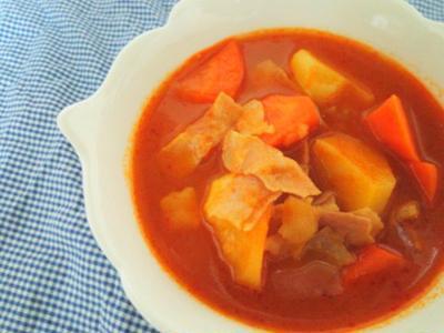 トマト缶なしで♪ごろごろ野菜のミネストローネ風♪