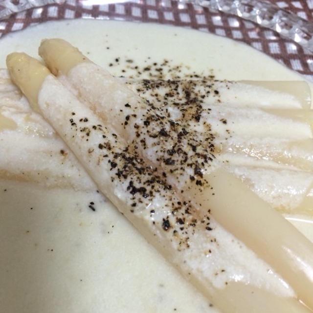 ホワイトアスパラガス!味噌ちゃんヨーグルトホワイトソースがけ