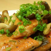 簡単☆鮭とキノコのバタぽんソテー