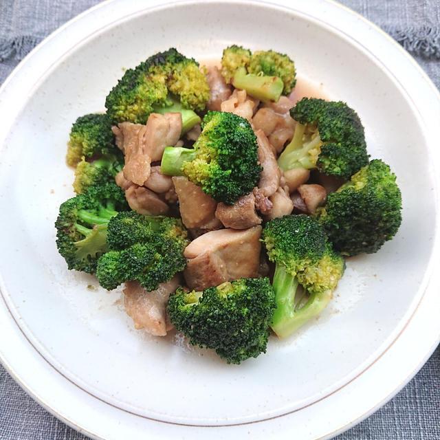 鶏もも肉とブロッコリーの甘辛炒め(美肌、ダイエット)