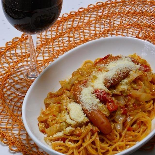 スパイスで簡単!ボジョレーに合う〜たっぷりキャベツでヘルシーなトマトスパゲティ。