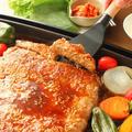ホットプレートで「BIG焼き肉ハンバーグ」レシピ お財布に優しい!焼き肉気分