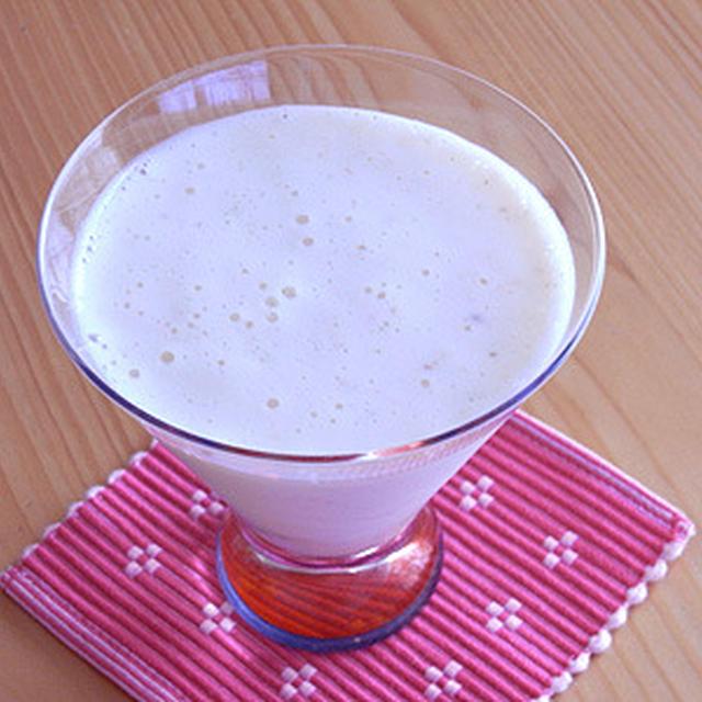 桃+マンゴスチン+ミント+ヨーグルトのフレッシュジュース