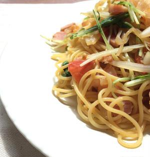 《トマト缶不使用!》水菜とベーコンのトマトパスタ