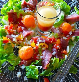 まぐろと冷凍卵のカルパッチョ仕立てサラダ