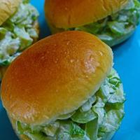 ★きゅうりサンドイッチ(오이샌드위치)。