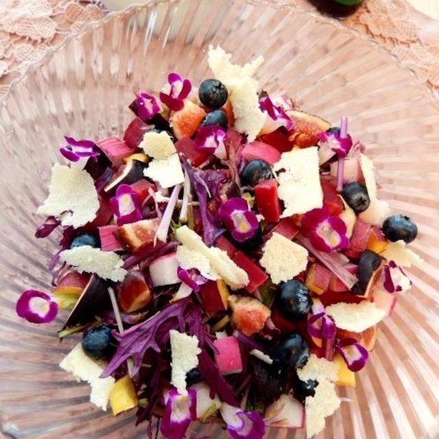 紫のサラダ カシスドレッシングで