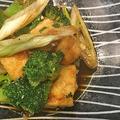 低カロリー・節約レシピ・・お豆腐とブロッコリーのオイスター炒め・パン焼きはソフトフランスパン