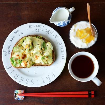 ☆朝ごはんにぴったり◎うまうまアボカドトースト☆