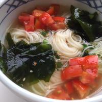 『トマトとわかめの冷たいスープ素麺』