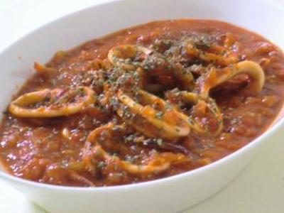 塩麹・イカのトマト煮込み