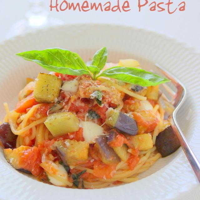 自家製ナスdeフレッシュトマトとモッツアレラのパスタ