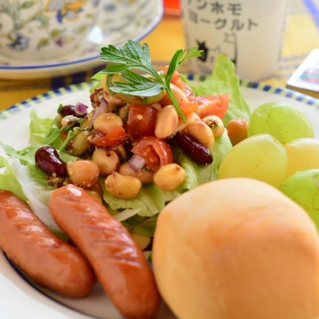 豆サラダで朝ご飯