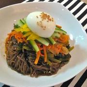 ビビン麺:甘辛韓国冷麺