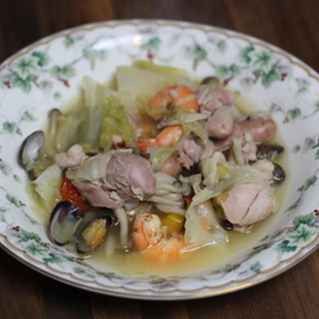 鶏肉とエビアサリの煮込み