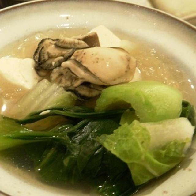 ベトナム フォー スープ缶を使って牡蠣鍋
