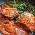 サバの煮付けの韓国人気レシピ。大根と春菊入り♪コドゥンオチョリム