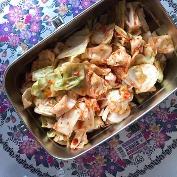 名残りの春野菜で「春キャベツのさっとキムチ」。