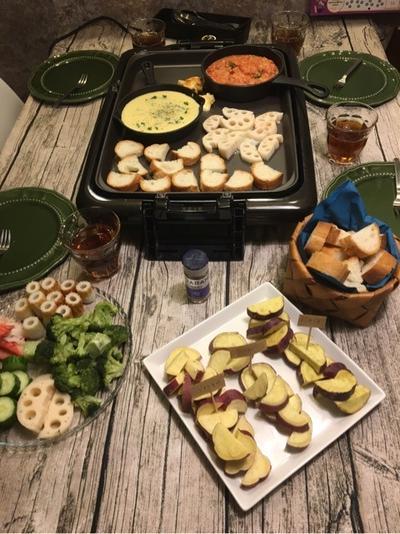 【ホットプレートでずぼら飯~】秋野菜×二種のソースでチーズフォンデュ
