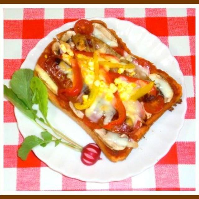 ソーセージのピザトーストの朝ご飯