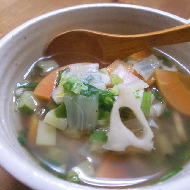 12種類の野菜の鰹だしスープ