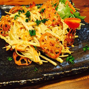ごぼうサラダと梅ツナ納豆、キムチ納豆のサンチュ巻き~つまみになる副菜~