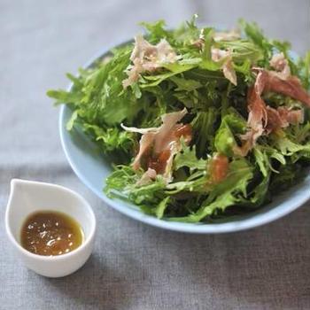 からし水菜のサラダ 柿酢ドレッシング(まかない)