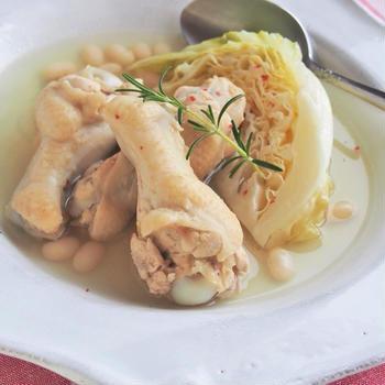お豆とキャベツのチキンスープ