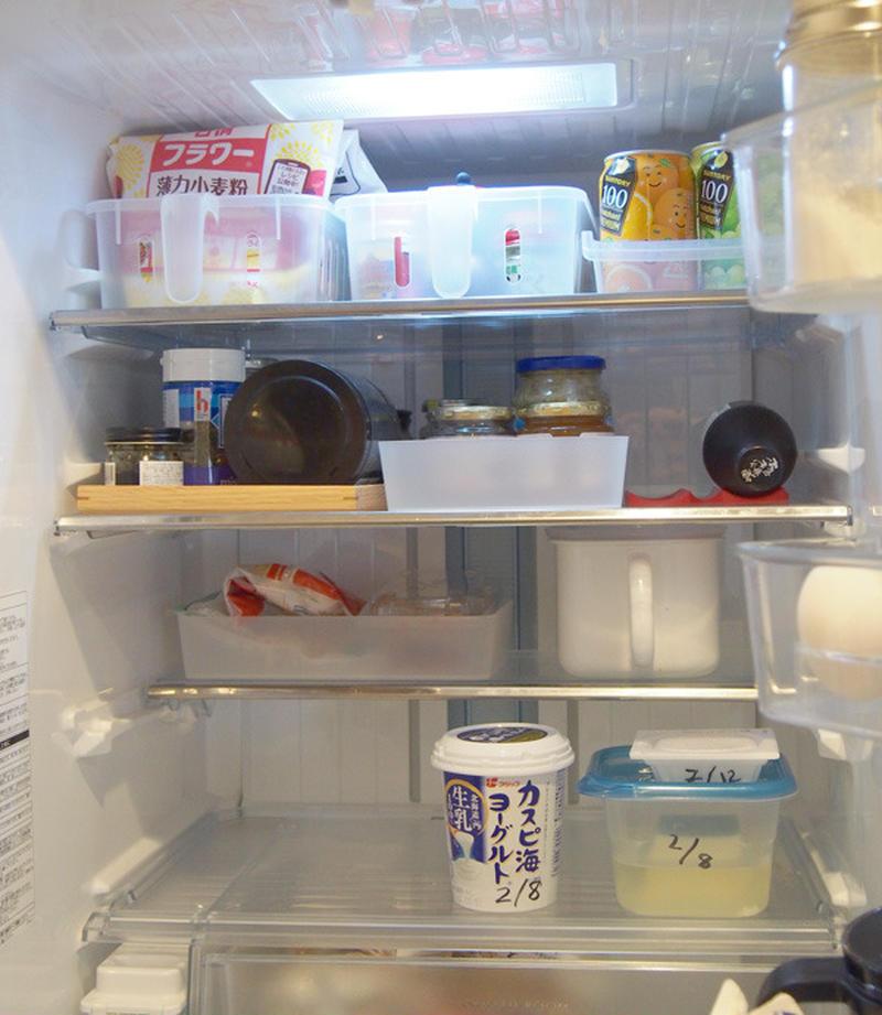 例えば、料理によく使う味噌といった調味料や早く消費したい物など、すぐ使いたいものは、自分が取りやすい...