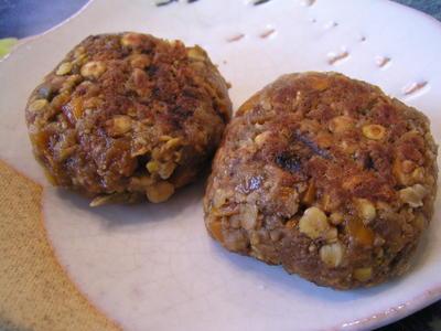レンズ豆とレンコンの味噌バーグ