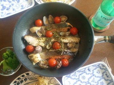 ミックススパイスでカンタン!鮭と鯛のアクアパッツァ