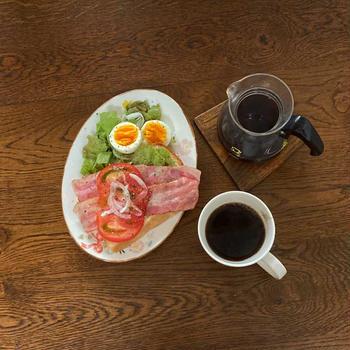 自家製パンの朝ごはん。