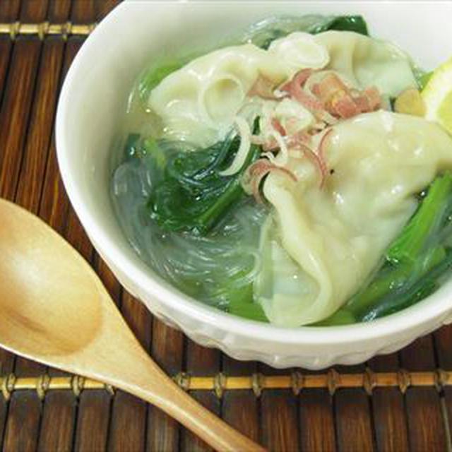超簡単!餃子と小松菜、春雨のあったかスープ
