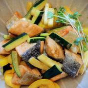 ハウスのスパイス「スモーク風チキン」を秋鮭で作る~♡