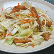 さっと炒めて簡単シャキシャキおかず!さつま揚げとキャベツの生姜炒め。