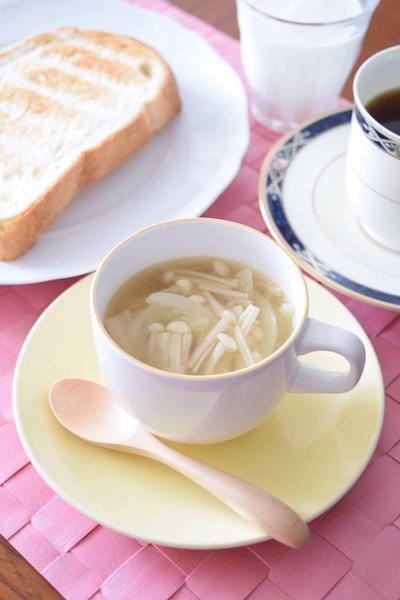 えのきだけのコンソメスープ 我が家の定番スープです♪