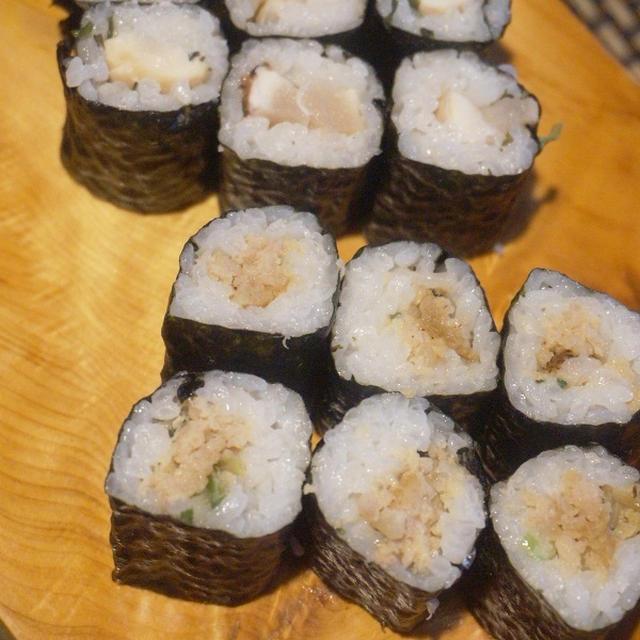 焼鳥屋さんと勝手にコラボ、「とりふく」さんテイクアウトで焼鳥巻き寿司