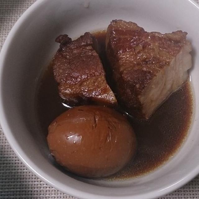 烏龍&普洱茶と八角が入った台湾風豚角煮