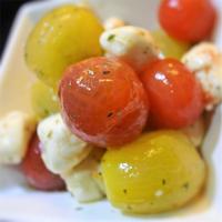 2色のプチトマトとモツァレラのマリネサラダ
