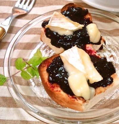ブルーベリージャム&焼きカマンベールの厚切りトースト ~ ふんわり4枚切り♪