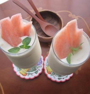材料3つ♪簡単桃の杏仁アイス
