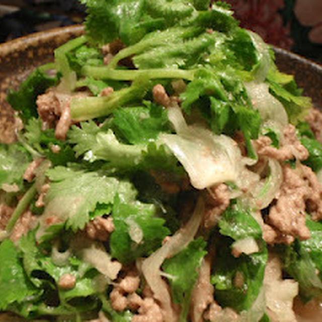 タイ料理とネックレス