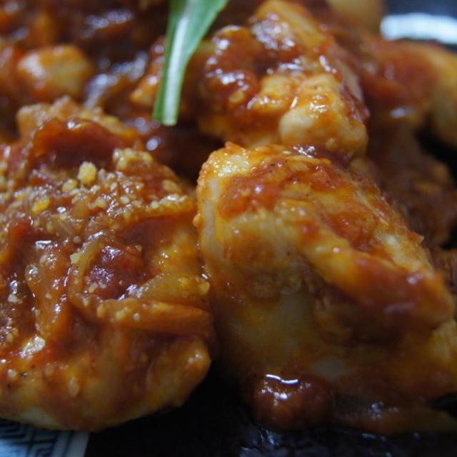 【ほっこりキッチン】トマトソース味の鶏胸肉の塩麹炒め