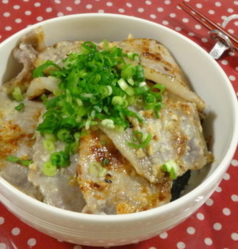 ご飯の進みすぎ注意!ガッツリおいしい「塩豚丼」レシピ