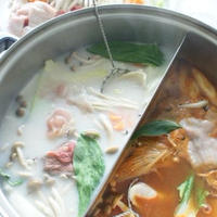 「水餃子入り二色鍋(レシピ)」「イカのコチュジャン和え」「クリチの韓国海苔巻き」「にんじんの明太子和え」