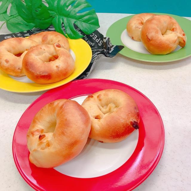 おうちパン「マンゴーBAGEL」